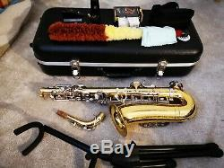 Lade Alto saxophone with accessories. Hard case. Stand. Yamaha 6C mouthpiece