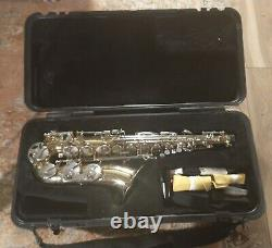 Selmer AS300 Alto Saxophone With Hard Case Mint Condition