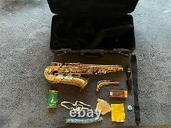 Yamaha YAS 275 Alto Saxophone with hard case and spare mouth piece